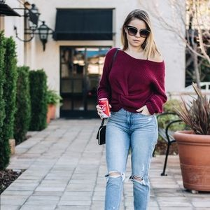 Sweaters - Off the shoulder sweater twist front